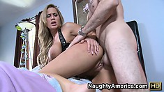 Alanah Rae loves to be stretched beyond regulations by perverse doctor