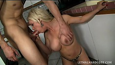 Sexy MILF Diamond Foxx tells the landlord she cant make rent
