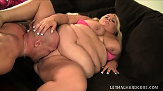 XXXL blonde bitch can jiggle and shake as she gets slammed with a hard dick