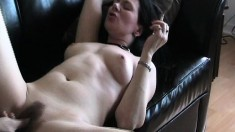 Full-bodied brunette hottie gets her sweet pussy treated to a tongue bath