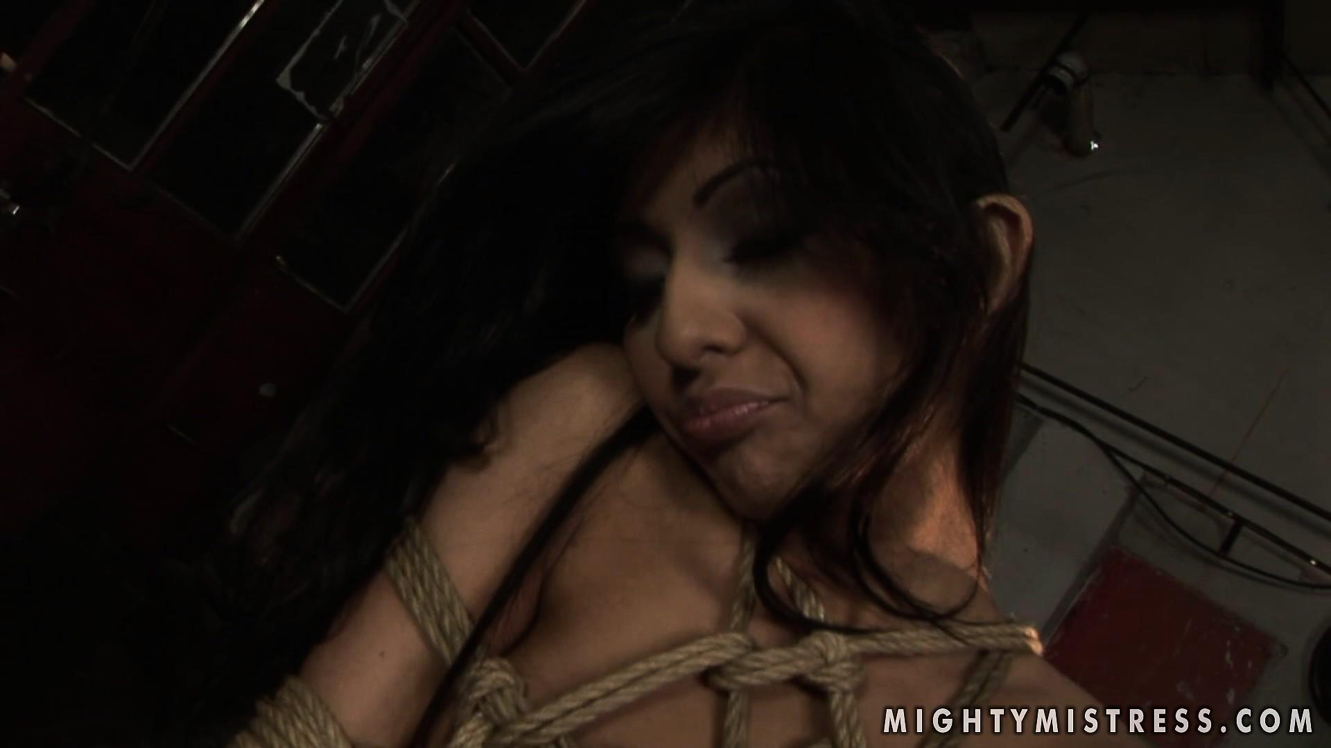 black-bright-girls-porns-sucking-dick