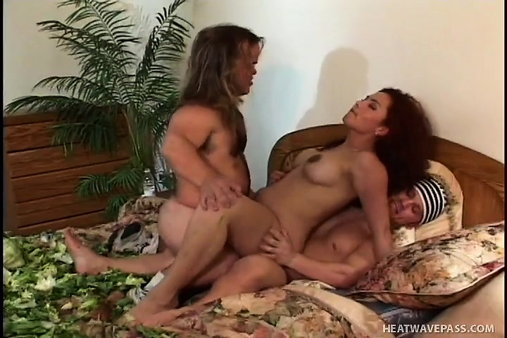 Download Mobile Porn Videos - Brunette Latina In A Midget Threesome Getting  It All And A Dp - 420804 - WinPorn.com