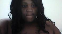 BBW webcam spreads her phat pussy.